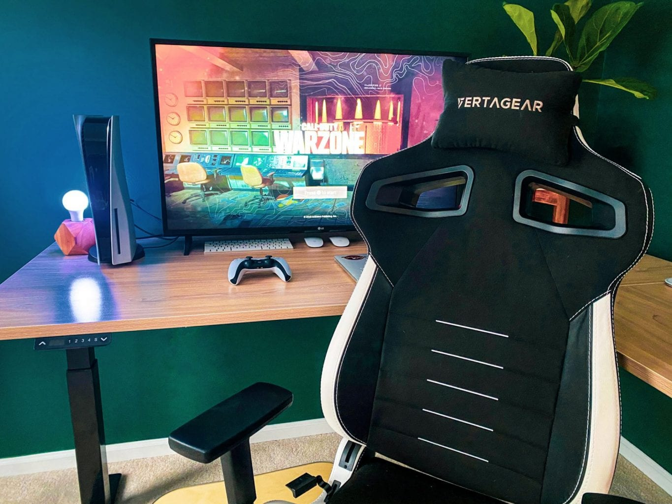 Function meets Luxury in the Vertagear PL4500 Gaming Chair